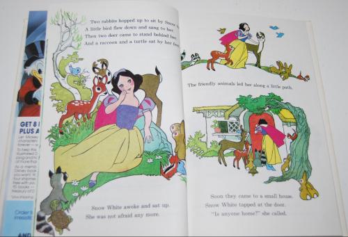 Disney snow white & the 7 dwarves 4