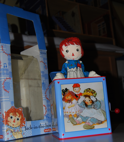 Raggedy ann tin jack in the box toy