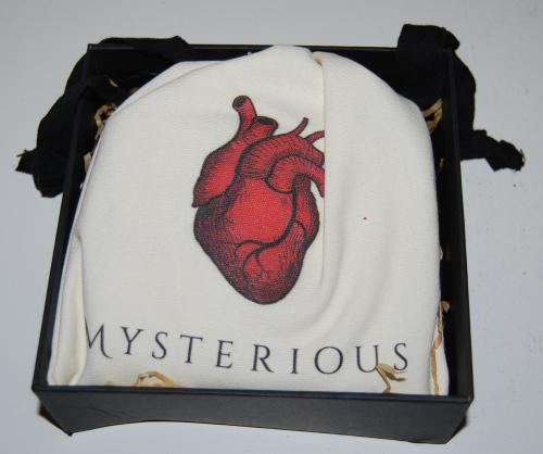 Mysterious jabberwock heart pouch x