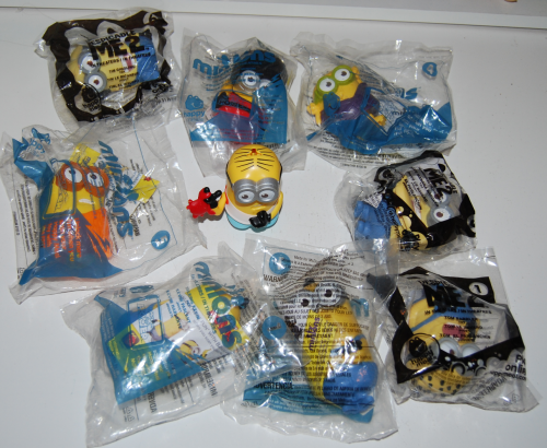 Happy meal toy minions lot
