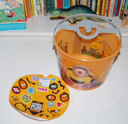 Happy meal toy minions halloween