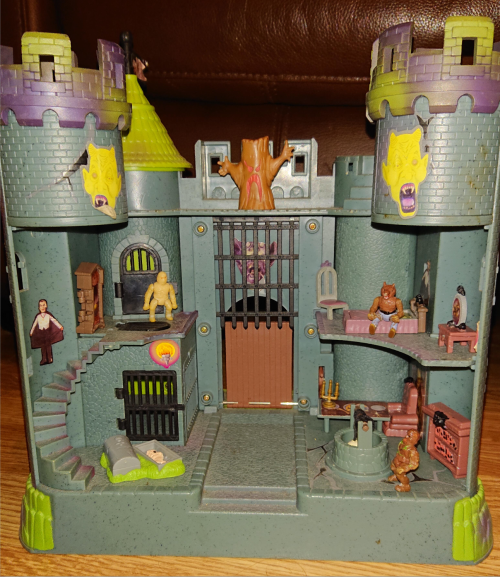 Toy haunted castle vintage playset 1