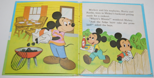 Mickey mouse pet show book 3