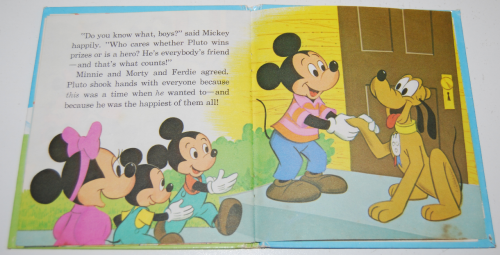 Mickey mouse pet show book 9