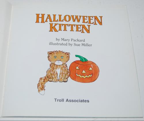 Halloween kitten book 3