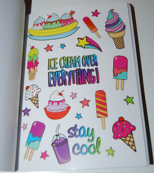 1000 ridiculously cute stickers book 7
