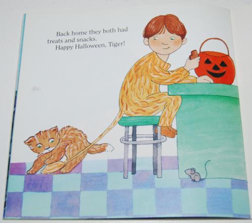 Halloween kitten book 8