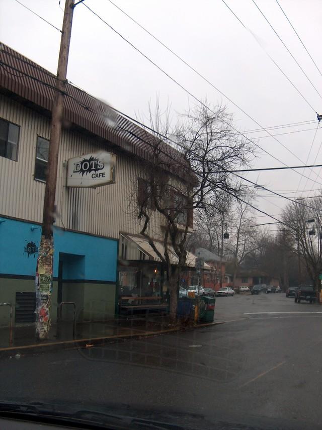 dot's cafe..